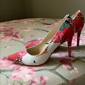 Marc Fisher floral heels